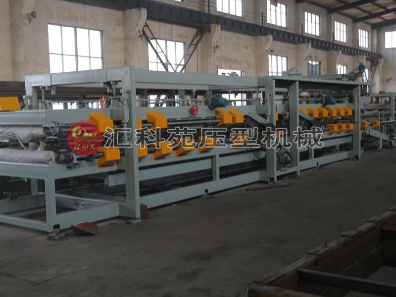 热销彩钢复合板生产设备配置丰富保证质量