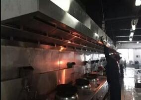 成都饭店专业油烟管道清洗 成都大型油烟管道清洗公司