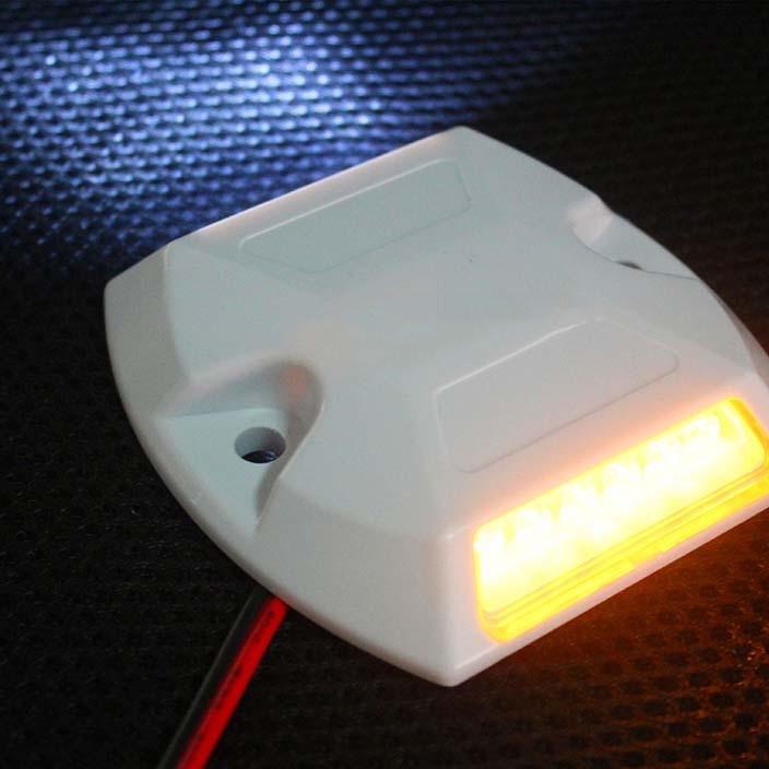 隧道有源道钉 ABS防火材质诱导灯 隧道诱导标