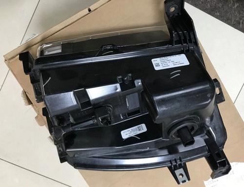 特斯拉转向灯 差速器 方向机 空调泵 电子扇 水箱