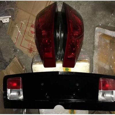 凯迪拉克CTS牌照灯 尾灯 雨刮连动杆 水箱 油底壳
