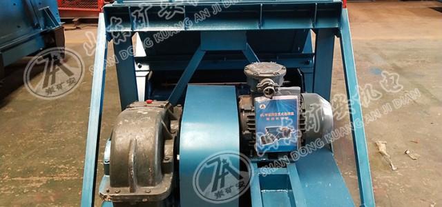 GLW225-4型矿用往复式给煤机检修与维护