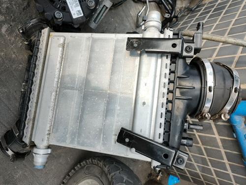 奔驰276中冷器 缸盖 油箱 汽油泵 气门室盖 油底壳