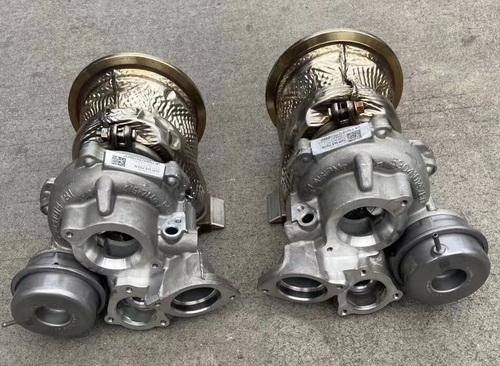 奥迪2.9T RS4 RS5涡轮增压器 电子扇 方向机