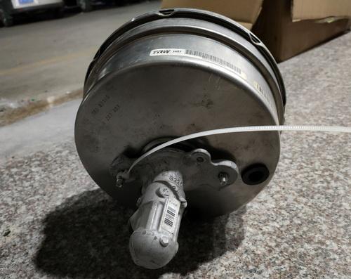 奔驰W166刹车大力鼓 刹车总泵 电子扇 方向机