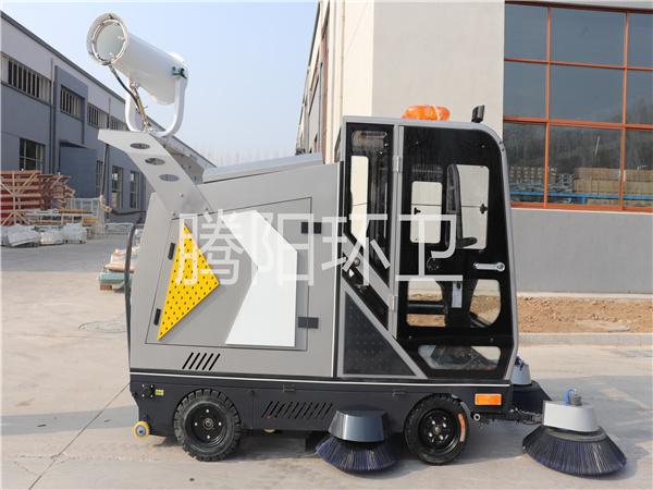 山东腾阳环卫TY-2300型电动驾驶式扫地车
